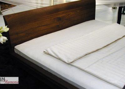Bett aus Nussbaum | Schreinerarbeit